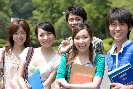 Có thể du học sau Đại học ở Nhật bằng tiếng Nhật hoặc tiếng Anh